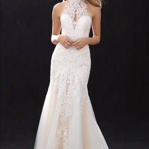 Allure bridal gown sz 14